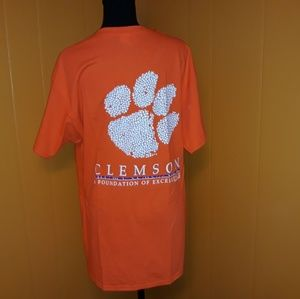 *NWOT* Clemson Tigers logo graphic t shirt…